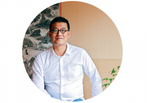 刘太乃(资深藏家)      资深藏家刘太乃在本专场中购得李晖、尹秀珍的两件作品: