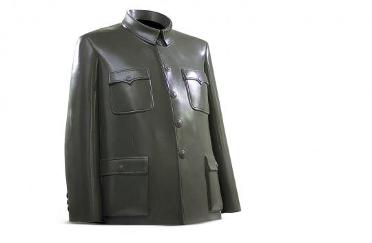 隋建国 《中山装》 140×190×240cm 铝 1997  成交价:103.5万元,由李宜霖现场竞得
