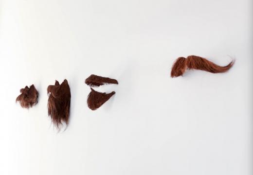 刘辛夷《马恩列斯毛》园林铁丝,棕片 共4件 2010