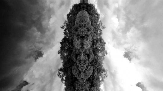 主题展拟参展作品Felipe Esparza 费利佩•埃斯帕萨(秘鲁)《死亡之绳》 (视频截图)2015