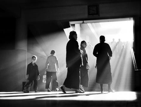 特别展拟参展作品何藩(香港)《午后闲谈》 1959