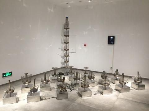 冯晓峰 《重复的周期系列》 尺寸可变 综合材料 2017