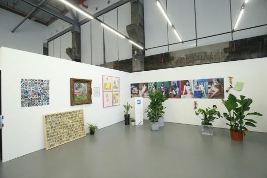 展览现场的冯琳作品