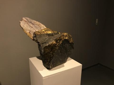 """苏州金鸡湖美术馆,中国青年雕塑家的""""敲山震虎"""""""