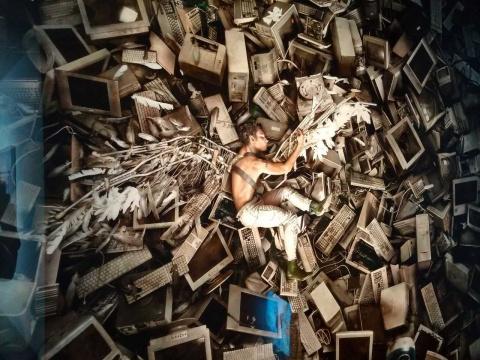"""在""""制景""""中反思,大卫·拉切贝尔首次上海个展亮相艺术门"""