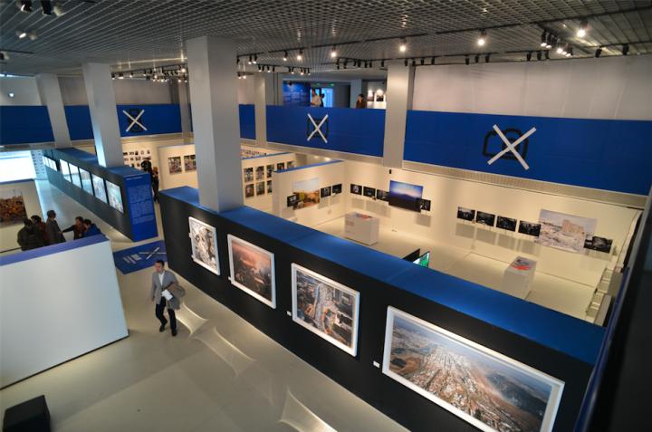 """2013年""""灵光与后灵光——首届北京国际摄影双年展""""展览现场"""