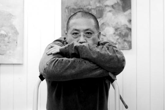 艺术家吴维佳