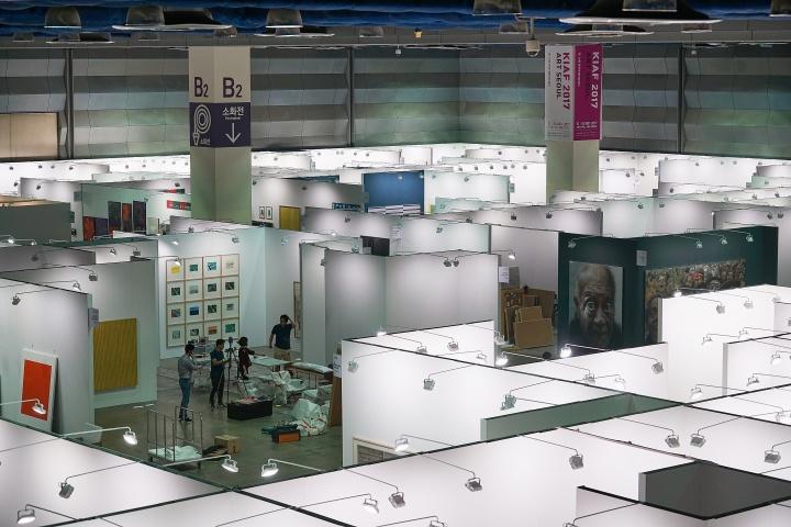 本届KIAF ART SEOUL展出来自13个国家的167家画廊带来的近4000件作品