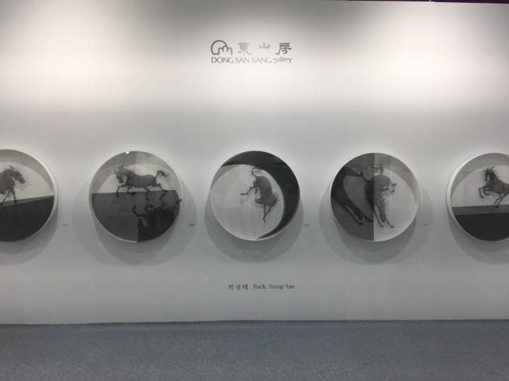 东山房带来Hwan Cho、Sungtae Park、Dongsu Lee三位艺术家作品,图为Sungtae Park2017新作