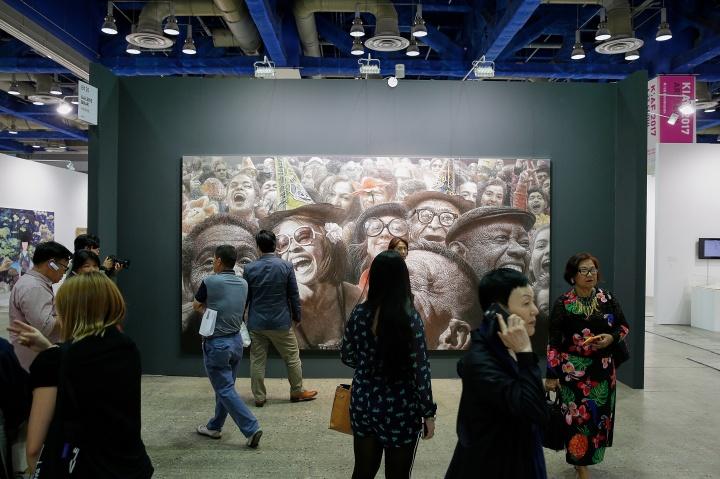 第16届KIAF ART SEOUL公众开放日现场,据称今年的观众质量亦优于往届