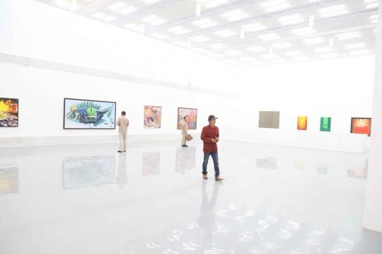 """宋庄美术馆""""重新阐释——宋庄青年艺术家群体现象研究展""""展览现场"""