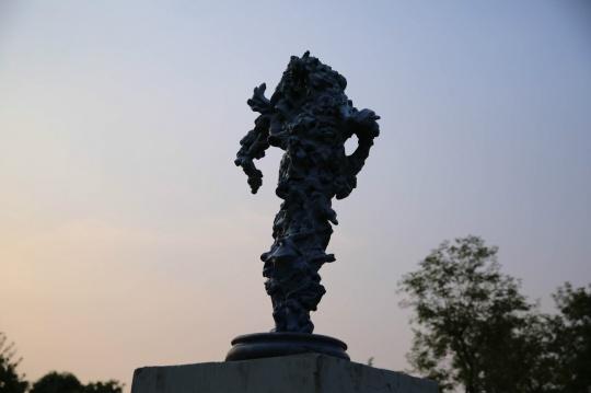 现场展出陈堪成作品《我的雕塑日记》
