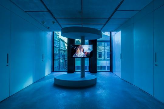 《德黑兰的黄昏》 4分14秒 单频道高清录像,彩色,有声 2014年