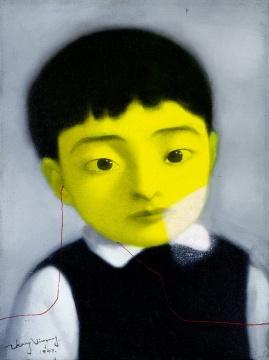 "Lot 868 张晓刚 《血缘系列第五十二号》 48×38cm 油彩画布 1997  估价:120万-150万港元    徐文:这件作品是张晓刚""血缘大家庭系列""成熟期,区别""大家庭系列"",属于""血缘系列""的一张精品 ,绘画的精神气质象征着自我精神特质的特征,也是从""血缘系列""到""失忆与记忆系列""转换期的作品,这幅作品的绘画语言和隐喻着自身的精神气质非常统一,感觉就像作者儿时的自画像,值得收藏。"