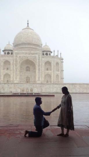刘冰在泰姬陵拍摄的浪漫的求婚一幕