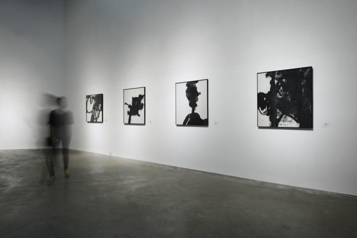 """2015年""""蹊径-1990年代的四个个案""""展览现场"""