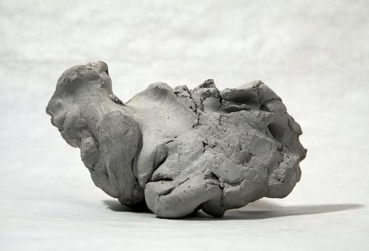 隋建国 《盲人》泥稿高12cm 喷绘 78x109cm 2012