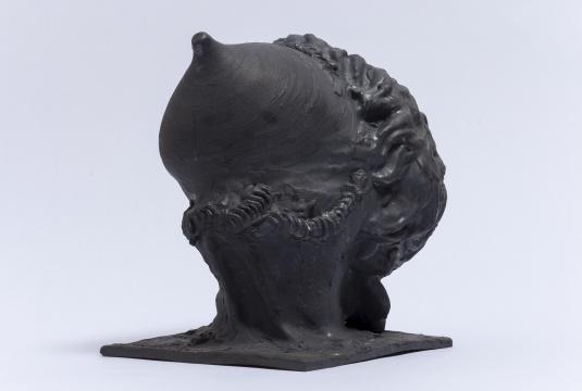杨茂源《得 no.5》24x19x24cm 黑色陶土 2006