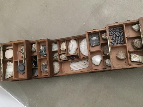 孙月《影化石实验室计划1》 尺寸可变 古提盒 陶瓷2017