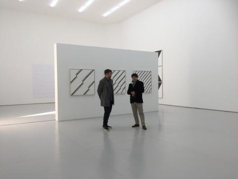 艺术家Ignacio Uriarte(左)与友人