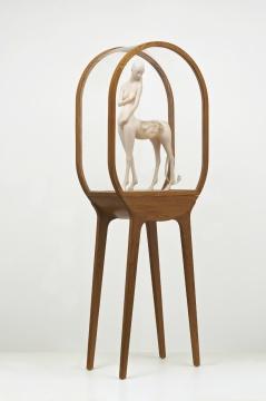 《恋人》 85×50×18cm 树脂&橡木 2011