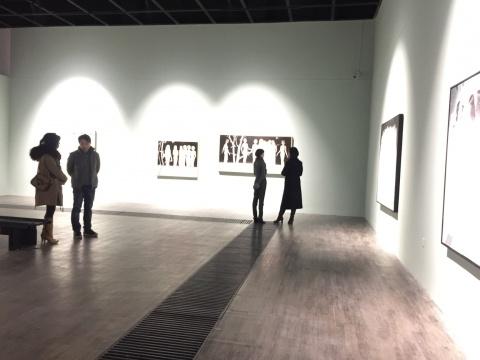 """城市""""目""""""""光"""",芳草地画廊展出青年人双个展"""