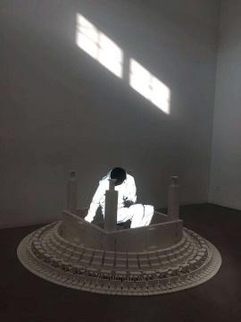 孙宇:光明想,一次身体与心灵的探索之旅