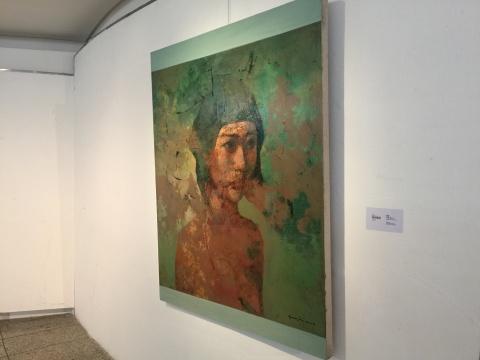 郭晋2016年的油画作品《女孩头像No.2》
