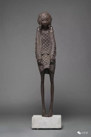 《暖暖》 45×68×184cm 铸铁&水泥 2013