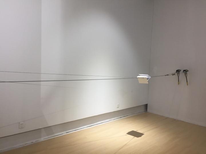 蒋竹韵 《一佰伍拾一页之间》 录像装置 2016