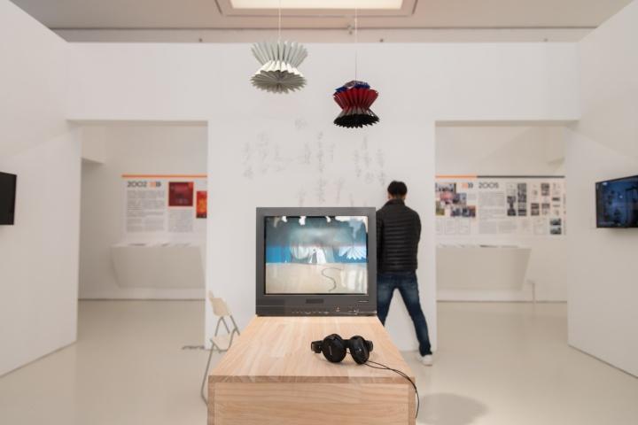 """广东时代美术馆目前在展的""""寻向所志""""展览现场"""