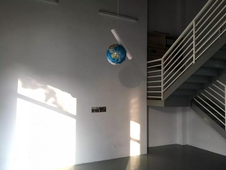 黄边站,时代美术馆在2012年开设的一项类教育项目,2016年黄边站注册为独立的社会民间团体