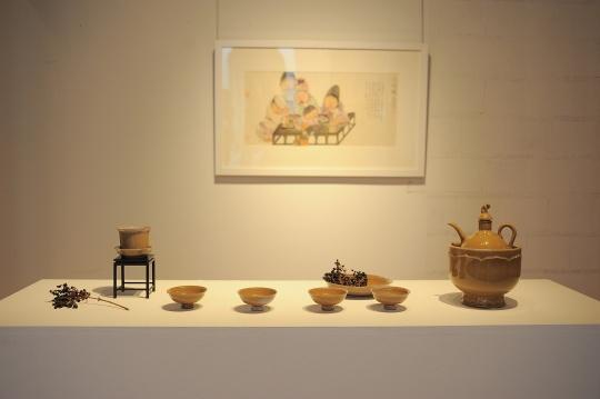 展览现场:吴浩纸本绘画作品、葛昊翔陶艺作品