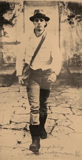 约瑟夫·博伊斯(Joseph Beuys, 1921-1986)《革命就是我们》191x100cm印在聚酯板上的照片海报,手写文字,盖章1972