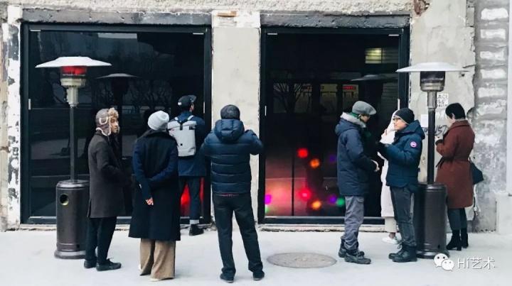2017年12月,纹身店实验艺术空间以秦思源个展《窗-户》开启它的第一次亮相。