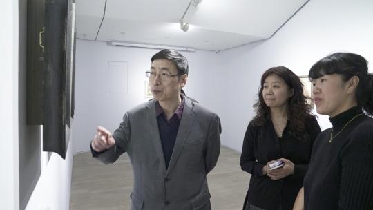 艺术家王峥、许慧媛与展览嘉宾现场交流
