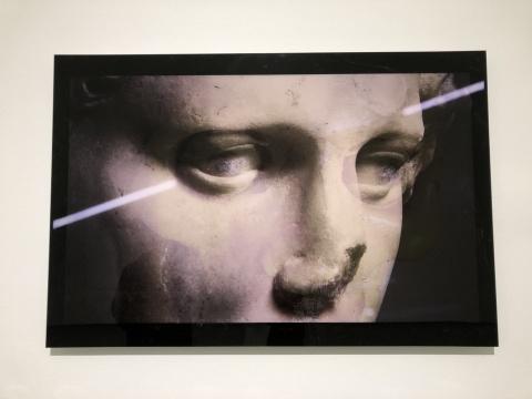 """于霏霏 《关于""""凝视""""的研究之一》 60×100cm×2 摄影,收藏级打印于哈内姆勒纸2017"""