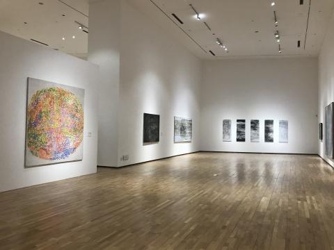 展览现场 第四部分展出了艺术家最为人熟知的抽象部分