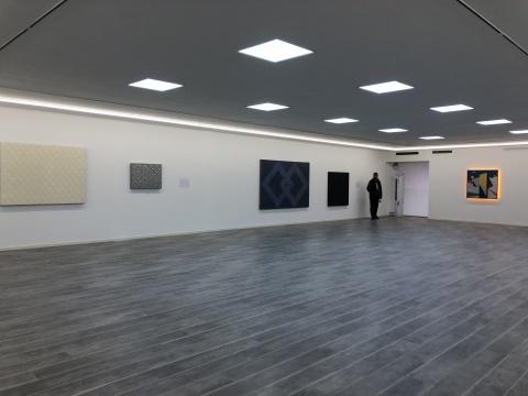 二层展厅左侧作品