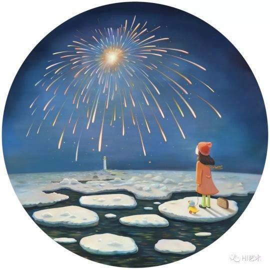 """《归途No.2》D.150cm布面油画2017  """"烟花很美,但很短暂,所以会有一些伤感。画面中的女孩带着她的旅行包,看着远处的烟花好像有些迷茫,但是远方的灯塔又意味着,她会朝向她的方向,勇敢前行。"""""""