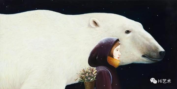 """《前方》50×100cm布面油画2017  """"我的画儿里有很多女孩和动物在一起的画面。我觉得任何动物在一起,有一种纯真质朴的感觉。在《前方》中,黑色的背景和飘洒的雪花,带来一种神秘感,北极熊引领或者陪伴女孩走向未知的前方,带给她勇气和安全感,。我觉得这个女孩和我很像,就是一直往前走,未来是什么模样我也不知道,但是我总会找到勇气继续前行。"""""""