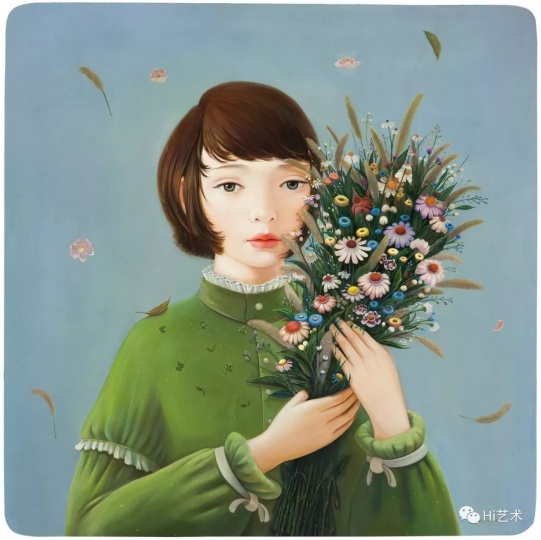 """《别来无恙》90×90cm木板油画2018  """"我觉得与故人好久不见之后,一切安好是最完美的状态。这张取名《别来无恙》,其实也像是对我自己的一句问候。因为自己也很久没有展览,在这里,捧着鲜花的女孩很有仪式感,对自己说,好久不见,别来无恙?"""""""