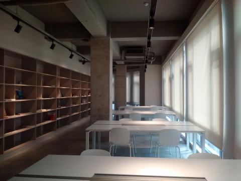 光社影像中心三层图书馆