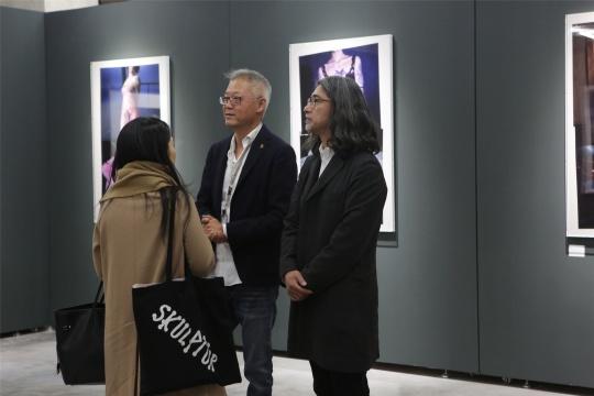 王珺在光社展览现场