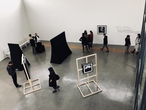 """法国艺术家尼科·德拉法耶(Niko de la faye)的全新个展""""一块石头""""在北京黄锐白云馆开幕"""