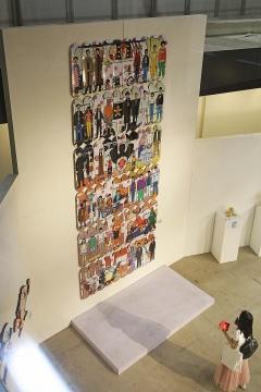 台湾艺术家Cowper Wang专门为本次展览创作的5米滑板墙巨型装置