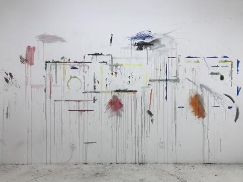 程昱峥《壁画》尺寸可变墙上彩铅2018