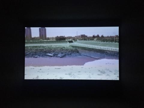 管怀宾 《回流》 8分30秒 单频影像 2011