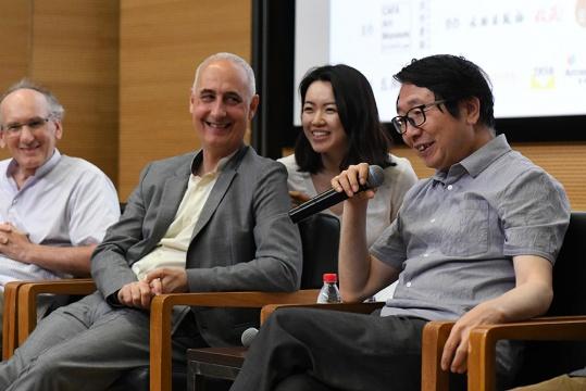 中央美术学院人文学院院长尹吉男发言
