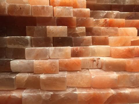 李勇政 《被消费的盐与冈仁波齐》 装置与事件,喜马拉雅山岩盐 2014